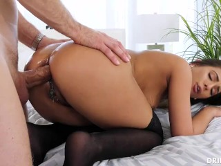 mom handjob with cumshot