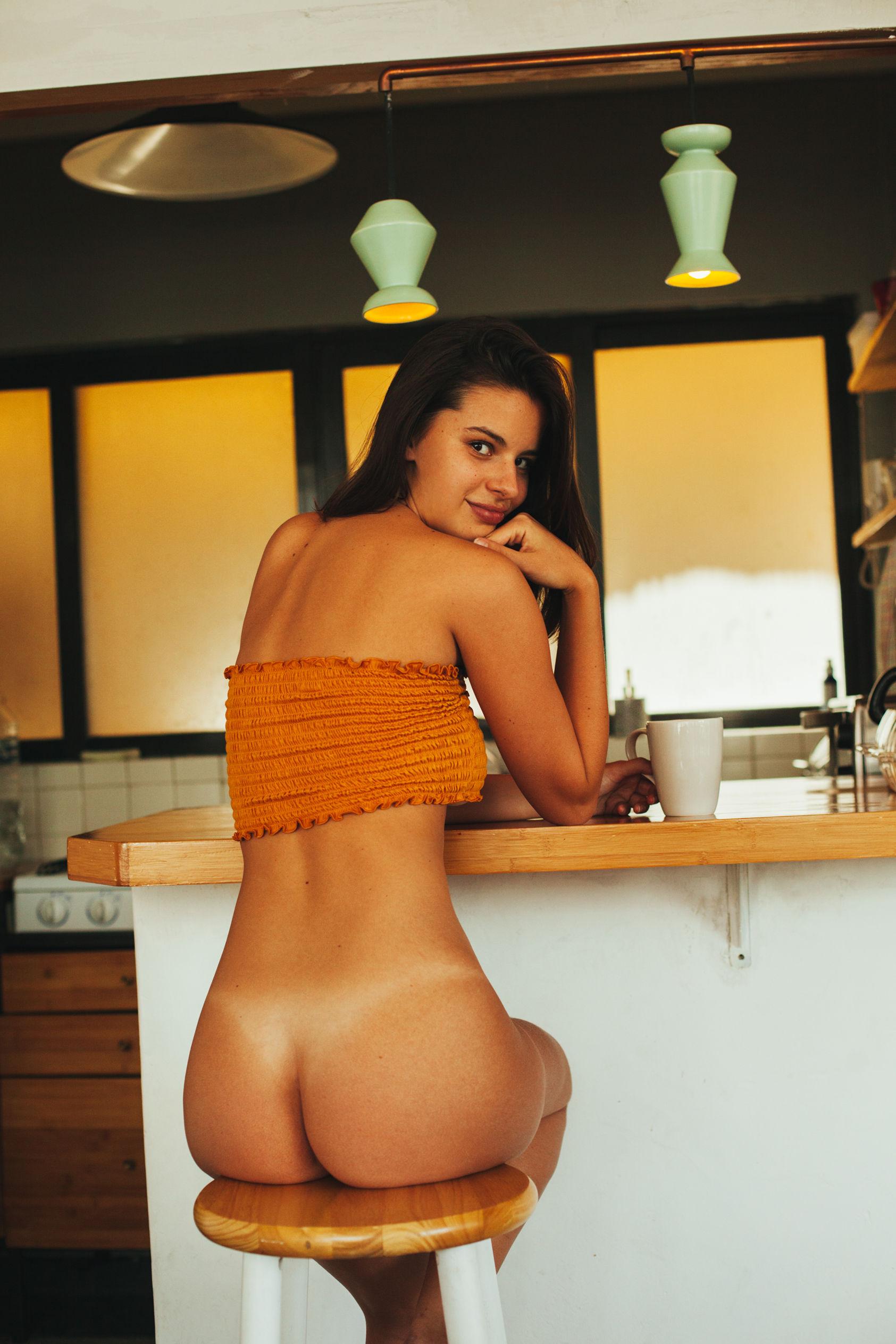 naked political celebrity pics