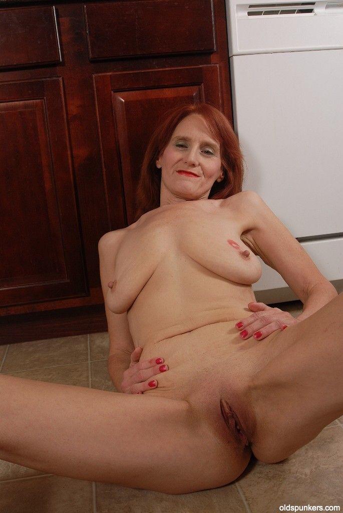 monica bellucci tits